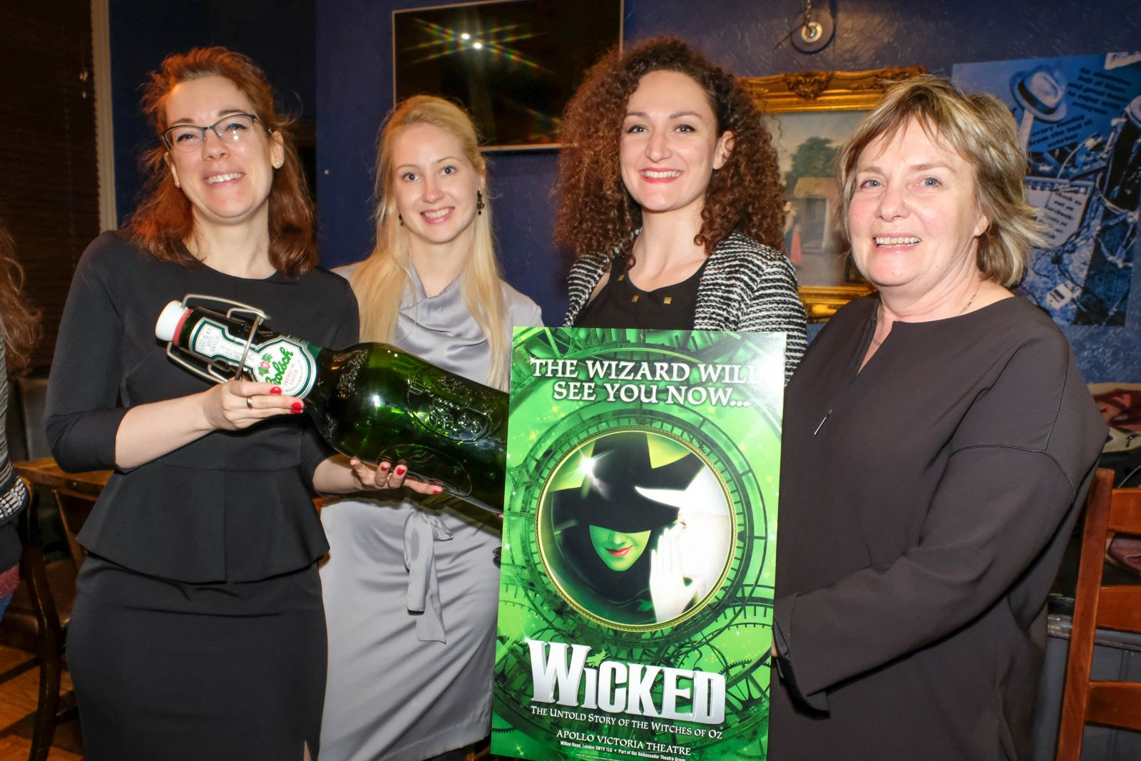made goes Dutch for Wicked